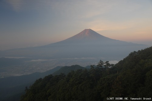 富士山・三ツ峠(2010年8月28日5:30)