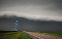 地上を飲み込む巨大雲06