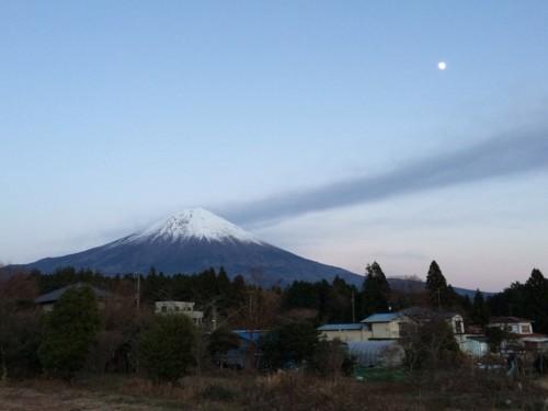 月と富士山